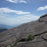 大きな一枚岩にびっくりした。雨の日とか大丈夫なのかしら。