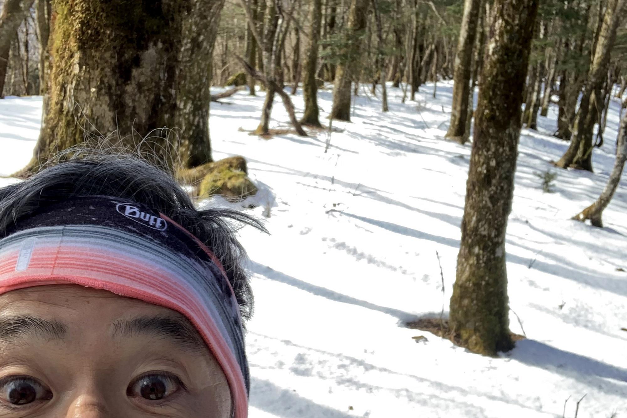 熊森山から先は雪。この時期はアイゼンを持っていこう!